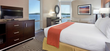 Rooms | West Bay Beach Resort | Traverse City Michigan
